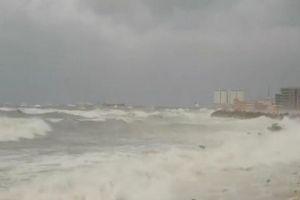 إغلاق الموانئ في اللاذقية وطرطوس أمام الملاحة البحرية بسبب الأحوال الجوية