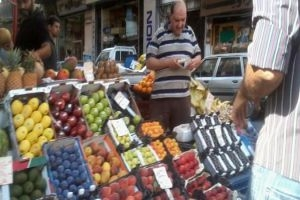 تموين دمشق ينصح المواطنين: عليكم بالتين والتفاح والعنب فأسعارها مقبولة أكثر من الحلويات