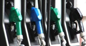 الحكومة تطالب الجهات العامة بتسديد بدلات التزود بالوقود