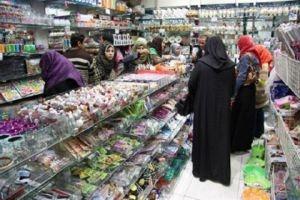 تجار سوريون يستوردون البضائع