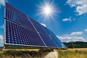 وزارة الكهرباء: إنارة 500 منـزل مـن ضوء الشمس