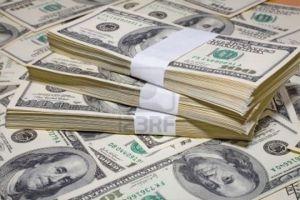 مصدر في وزارة الاقتصاد: انخفاض سعر الدولار أمام الليرة مفرح ولكنه