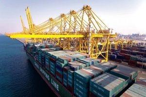 الاقتصاد: بضائع الحاويات المتوقفة في مرفأ اللاذقية لم تخضع للترشيد
