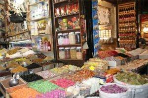 في حلب..أسعار المواد الغذائية تنخفض 15% فقط..والباعة يقولون للمواطن: