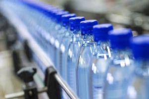 مياه معدنية مزورة ومغشوشة في أسواقنا لا يمكن للمواطن اكتشافها..من يقوم بالتزوير؟
