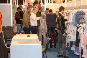 سيريامود يشهد توقيع عقود لشراء المنتجات النسيجية السورية