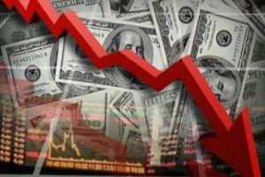 باحث اقتصادي: انخفاض الدولار ينعكس سلباً على المواطن..لهذا السبب!