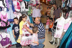 أسعار الألبسة بدأت بالارتفاع..البنطال الولادي بـ2500 ليرة والفستان البناتي بـ4 آلاف