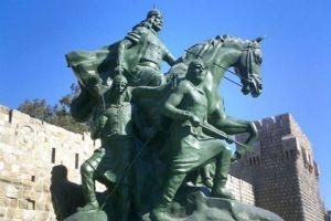 أين اختفى سيف صلاح الدين من تمثاله في دمشق ؟!