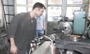 الحرفيون في سورية يشكون ارتفاع أسعار المواد الأولية