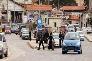 السلطات اللبنانية تتسبب بطوابير وتأخير بمعاملات السوريين في منطقة المصنع