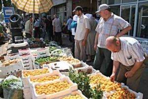 منها زيادة الرواتب..اتحاد غرف التجارة يضع مقترحاته لدعم الاقتصاد السوري