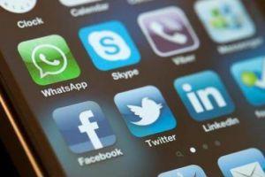 الاتصالات تنفي وجود أية دراسة لرفع أسعار مكالمات الإنترنت