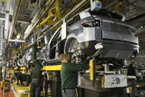 من هم رجال الأعمال المتورطين بتهريب قطع السيارت والتحايل بصناعة تجميع السيارات؟