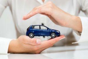 المالية: شركات التأمين الخاصة لن يكون لها دور في التأمين الإلزامي للسيارات