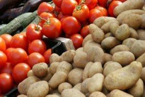 بدء العد التنازلي لأسعار البطاطا...والبندورة لا تزال تحلق