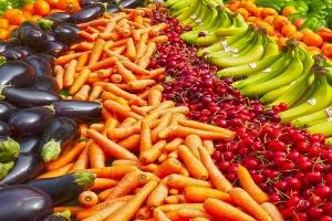 قبيل العيد الاضحى .. هذه  أسعار الخضار و الفواكه في دمشق (كل شيء إرتفع الموز يبلغ 6500 ل.س)