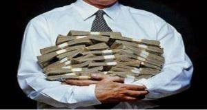 جمع ما يزيد عن 5.5 مليون ليرة..محاسب يختلس رواتب الأساتذة في كلية الطب بجامعة دمشق