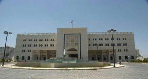 الحكومة توجه بصرف رواتب وتعويضات العاملين بالجهات العامة في دير الزور
