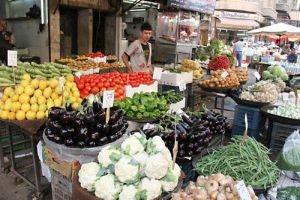 تقرير: الأسرة السورية تواجه 70% عجزاً في الدخل وتحتاج إلى 100 ألف شهرياً للغذاء فقط!!