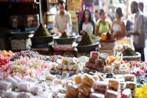 أسواق ريف دمشق تسجل 650 مخالفة تموينية منذ بداية رمضان
