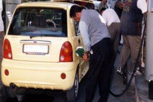 وزير النفط: ضخ 10% كميات إضافية من البنزين لمحطات الوقود