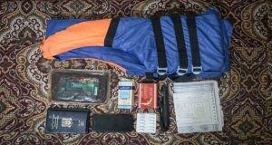 ماذا يحمل المهاجر السوري في شنطة سفره؟