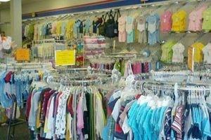 ارتفاع في الأسعار وركود بالطلب..أسواق الألبسة: القميص الرجالي بـ7 آلاف والفستان بـ10 آلاف
