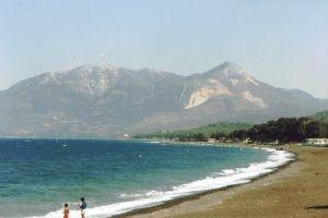 السياحة تدرس إقامة مدينة سياحية في اللاذقية بتكلفة 20 مليار ليرة