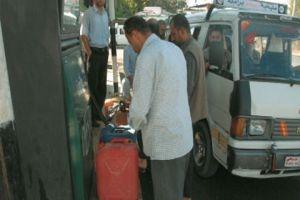 وزير النفط: كنا ندرس خفض أسعار المحروقات ولكن..!
