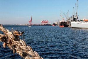 سورية تسعى لتأهيل خطوط نقل بحرية من الموانئ السورية إلى دول الخليج وإيران