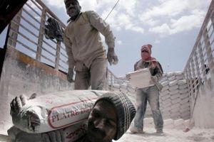 العمالة غير المنظمة.. بلا نقابة ولا تأمينات وحقوق تخضع لمزاج المُشغلين!