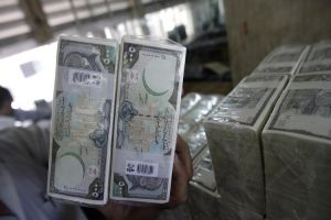 تقرير: الليرة السورية تخرج عن السيطرة