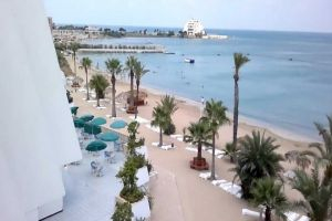 وزير السياحة يطالب الفنادق بتخفيض أسعارها بنسبة 25%