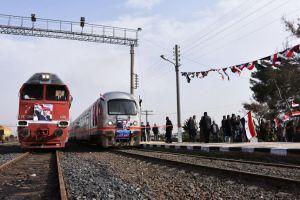 النقل تدرس ربط 3 مطارات بشبكة الخطوط الحديدية.. وإنجاز خطوط دولية جديدة