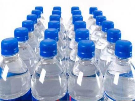 تمديد منع استيراد المياه الطبيعية والمعدنية