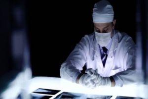 انحو 70% من الأطباء الشرعيين في سورية هاجروا...لطب الشرعي في سورية على وشك الانقراض
