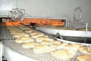 رغم التحايل بالوزن..ربطة الخبز تباع بـ100 ليرة في دمشق