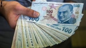 الليرة التركية تسجل أسوأ يوم لها منذ منتصف أيار الماضي