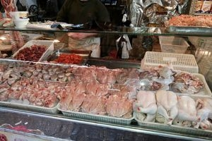 في الأسبوع الأول لشهر رمضان: أسعار الفروج واللحوم ترتفع..وتمر هندي مهرّب في الأسواق!
