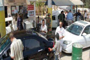 تنظيم ضبوط تموينية بحق 15 محطة وقود تتلاعب بالعدادات بقصد السرقة