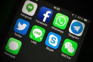 الاتصالات: لم ولن نحجب تطبيقات الدردشة
