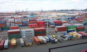 وزارة الاقتصاد: البضائع المحتجزة في ميناء اللاذقية بطريقها إلى الحل