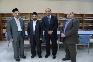 بنك الشام يهدي مكتبة جامعة دمشق كتباً نادرة في الاقتصاد الإسلامي