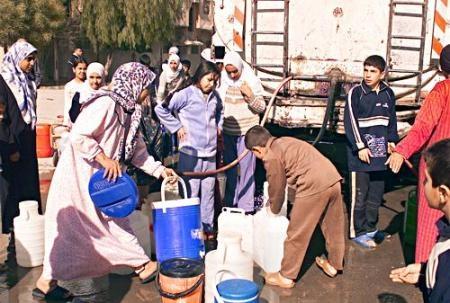 تقرير:أزمة المياه تتفاقم وتصل لقلب دمشق وتنعش سوق الصهاريج .. وبرميل مياه الشرب يصل لـ1000 ليرة