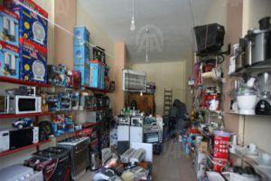 بائعون يتوقفون عن بيع السلع بحجة تقلب سعر الصرف!!