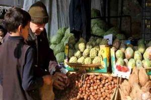 أسعار الفواكه الشتوية تصاب بالجنون حبة جوز الهند بـ3500 ليرة والكستنا بـ2800 ليرة!