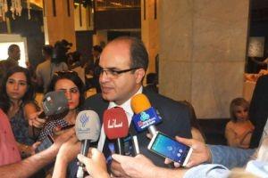 وزير الاقتصاد: سياسة الاستيراد كانت سبباً باستقرار سعر الصرف