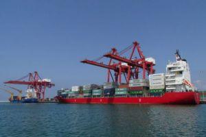 عقبات كثيرة تواجه التصدير..النقل: ندرس فتح خط بحري مباشر مع ليبيا