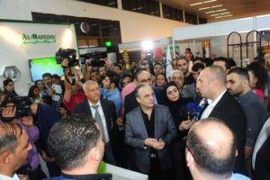 خلال زيارته لمعرض دمشق الدولي..خميس يؤكد: إجراءات نوعية لدعم الصناعة المحلية